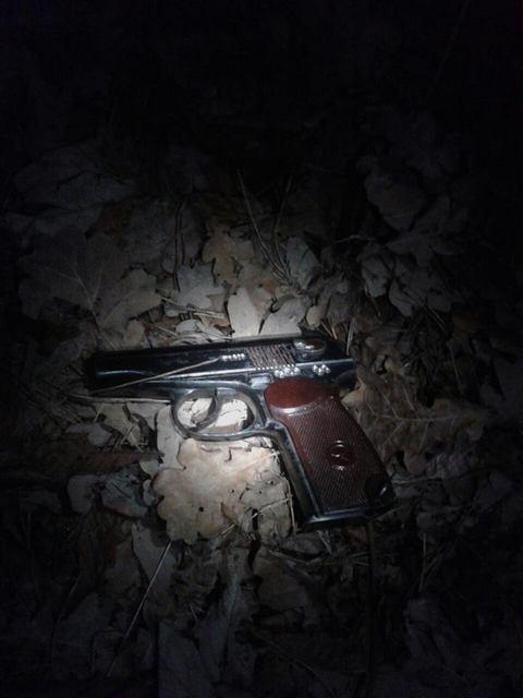 В Киеве мужчина стрелял с балкона по людям и по полиции: опубликованы фото (1)