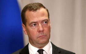 """Новый """"майский указ"""" Путина: Медведев назвал космическую цифру на его исполнение"""