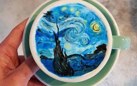 Бариста украшает кофе рисунками известных художников: появились фото