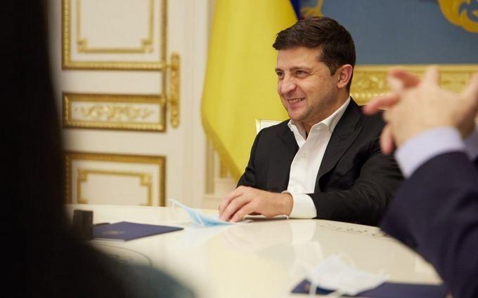"""Зеленский выиграл суд против мэра Черкасс, которого сам назвал """"бандитом"""""""
