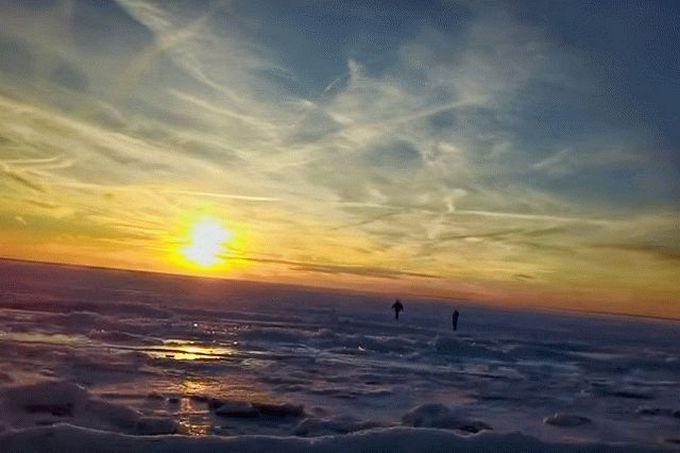 Льодовиковий період в США: в мережі з'явилися приголомшливі відео замерзлого океану