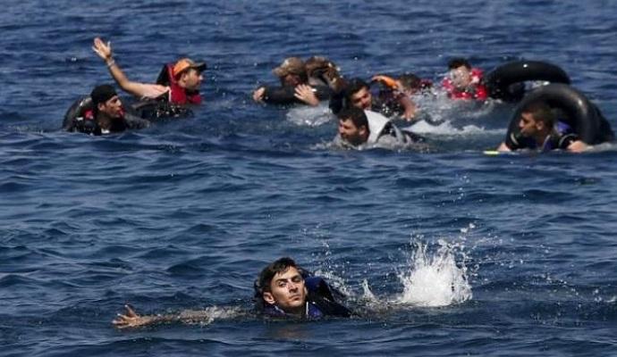 Возле берегов Греции перевернулась лодка с мигрантами