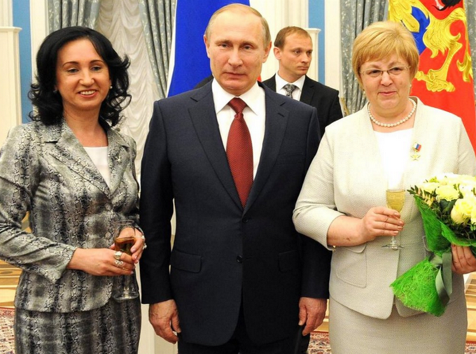 Неожиданно высокого Путина высмеяли в соцсетях: опубликованы фото (1)