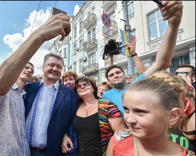 Порошенко знайшов в Україні європейську столицю: опубліковані фото (1)