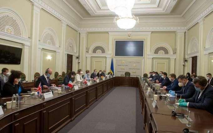 Верховная Рада подготовила неприятный сюрприз чиновникам - что известно