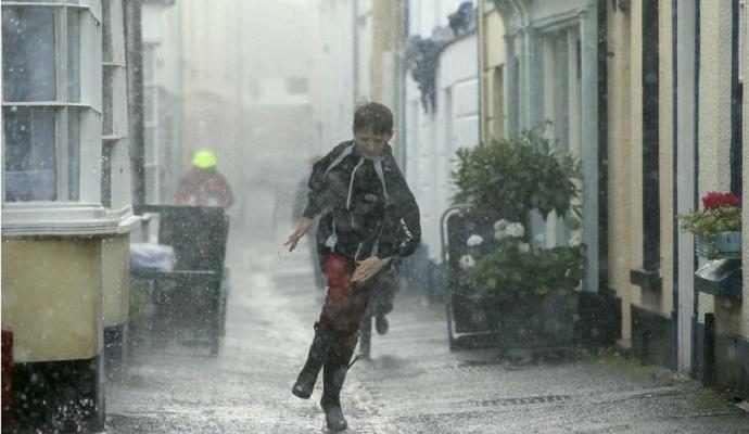 Погода в Украине на сегодня: сильный ветер и дожди, температура днем от +2 до +11