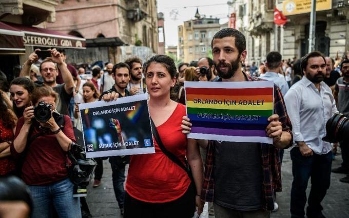 У Туреччині жорстоко розігнали ЛГБТ-марш: опубліковано відео