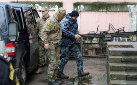Захваченные Россией моряки не подлежат обмену: у Порошенко сделали важное заявление