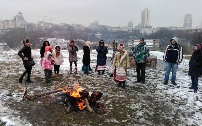 В Киеве провели ритуал сожжения зимы: опубликовано видео