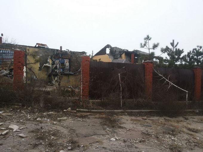 Штаб АТО показал фото из освобожденного поселка (1)