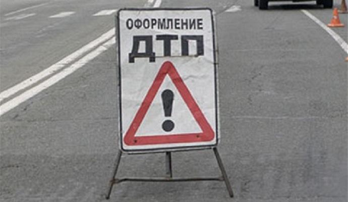 Автомобіль генконсульства України в Петербурзі збив жінку