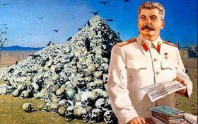 У Криму люди стоячи аплодували божевільним пісням про Сталіна: з'явилося відео