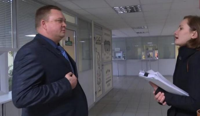 В сети наделало шуму видео с украинским таможенником