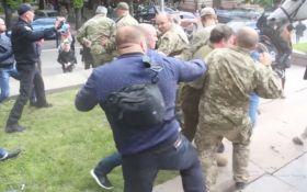 Бійки на 9 травня в Дніпрі: у Луценка оголосили підозру 5 фігурантам