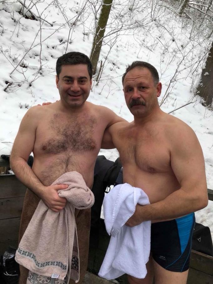 Крещение-2018: сеть обсуждает купание украинских политиков в проруби (2)