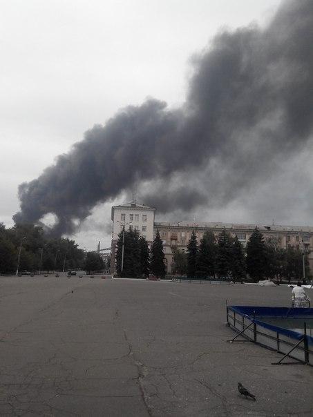В окупованому Алчевську людей налякала сильна пожежа: з'явилися фото і відео (1)