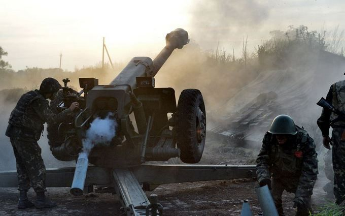 Доба нафронті - ворог гатить згранатометів різних систем тавеликокаліберних кулеметів