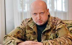 Турчинов пояснив, чому так важливі стрільби біля Криму: з'явилися нові фото