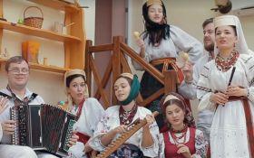 """В Україні представили """"народну"""" версію популярного хіта: з'явилося відео"""