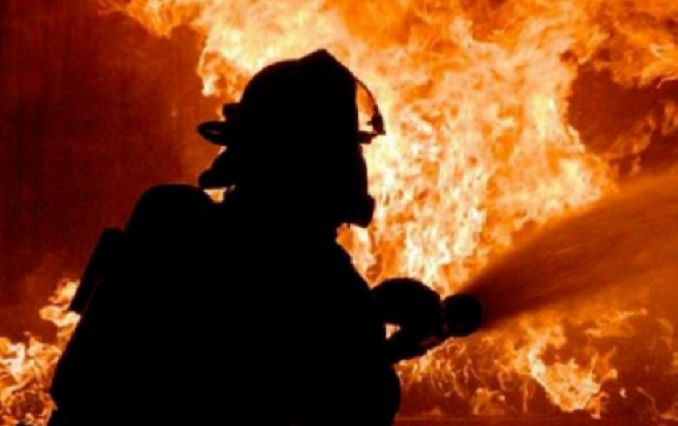 В центре Киева горит завод - шокирующие фото и видео
