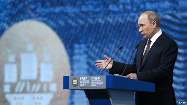Путін висунув ультиматум Україні, а в Кремлі йде