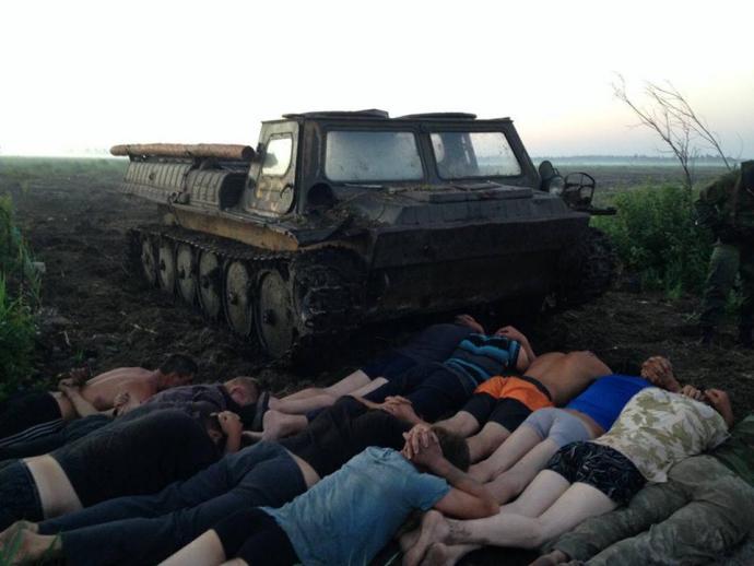 Бурштинові війни: Аваков виклав фото захопленої бронетехніки (1)