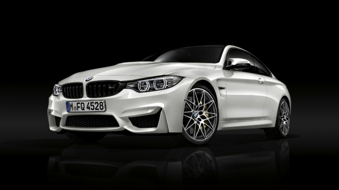 BMW M3 и M4 отримали спортпакет Competition Package