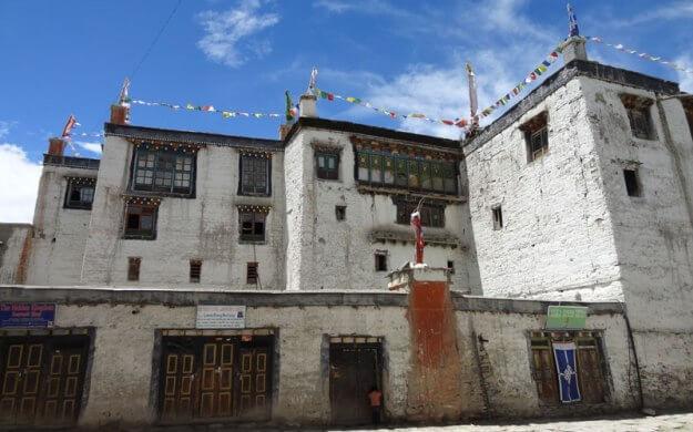Мустанг — затерянное королевство Тибета (2)