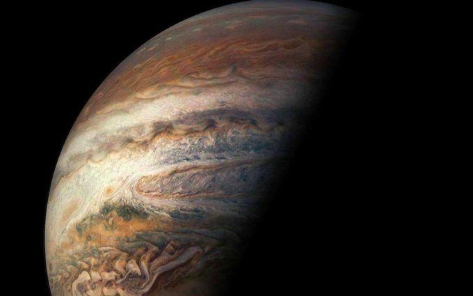 Це приголомшливо: NASA показало нове видовищне відео з Юпітера