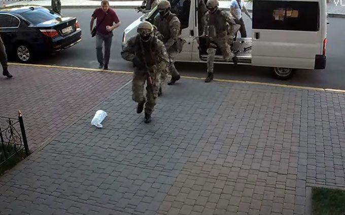 Прикордонна служба зробила жорстку заяву через гучні обшуки: з'явилися відео
