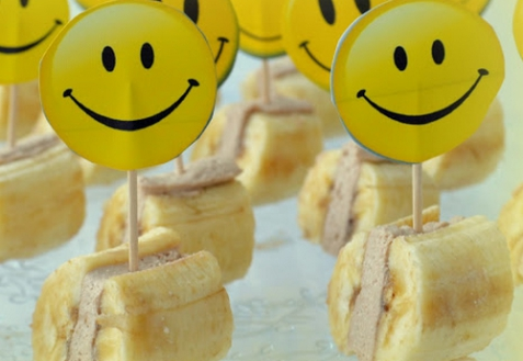 Банановые мини-сендвичи с творожным кремом