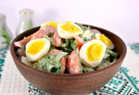 Салат со щавелем и перепелиными яйцами