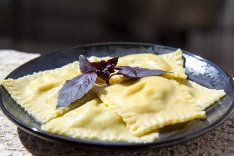 Рецепт - Равиоли с рикоттой и шпинатом