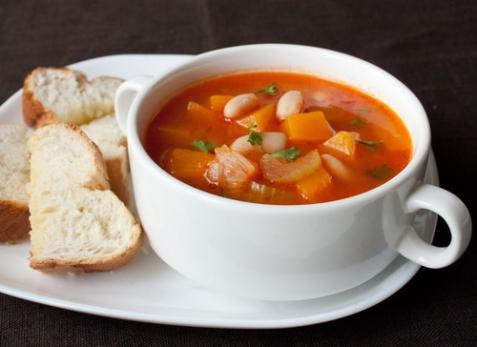 Овощной суп с тыквой и фасолью