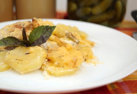 Картофель под соусом