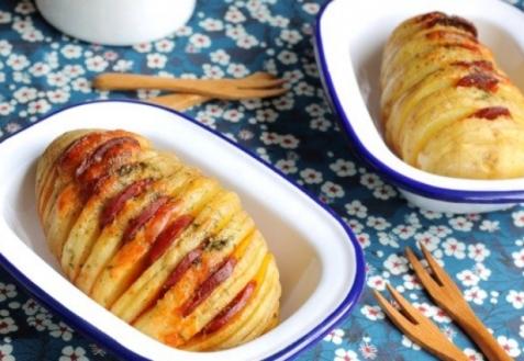 Картофель с сыром и пикантной колбасой