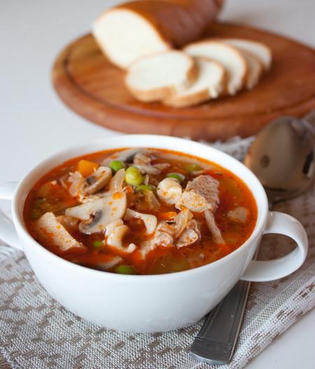 Суп из свинины с грибами и горошком