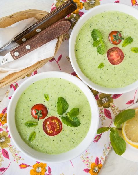 Холодный суп из огурца и цуккини