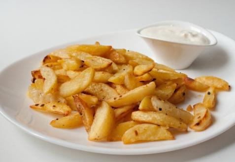 Картофельные дольки с чесноком