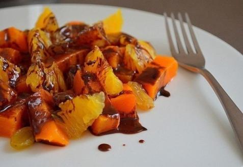 Сладкий салат из тыквы и апельсина