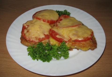 Рецепт - Сом под сыром и помидорами