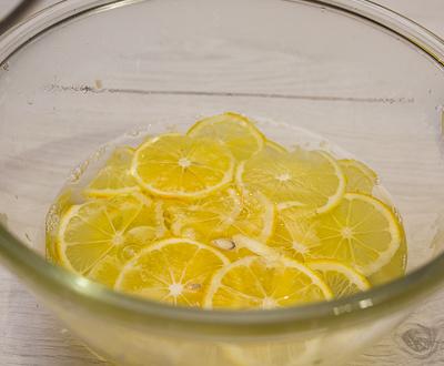 Ошпариваем лимоны