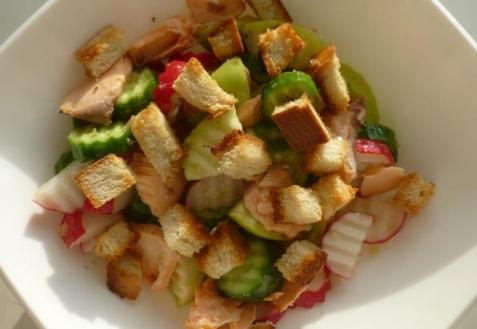 Салат из запеченной семги