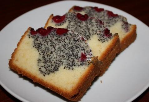 Вишнево-маковый кекс