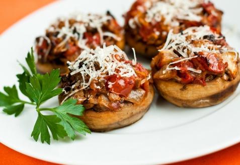 Рецепт - Шампиньоны, фаршированные помидорами