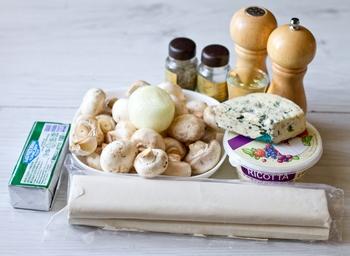 Штрудель с грибами и сыром