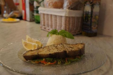 Рецепт - Запеченый палтус на овощной подушке