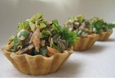 Рецепт - Мясной салат в корзинках