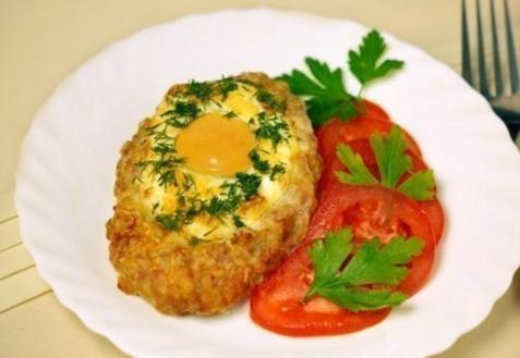 Шницель с яйцом (видео)