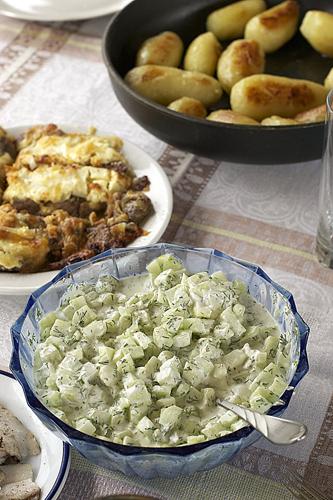 Рецепт - Легкий огуречный салат